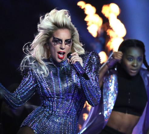 Lady Gaga live in 2017
