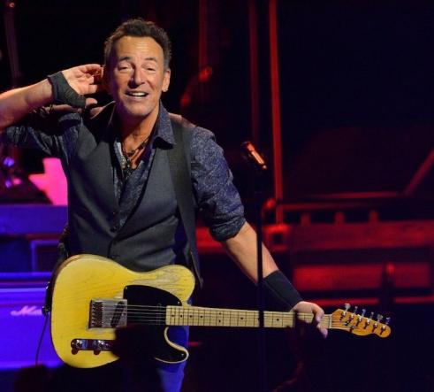 Bruce Springsteen with hand to ear